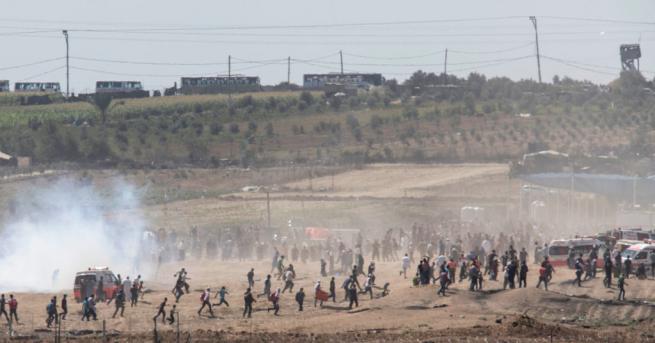 Най-малко 55 палестинци бяха ранени днес при сблъсъци с израелската
