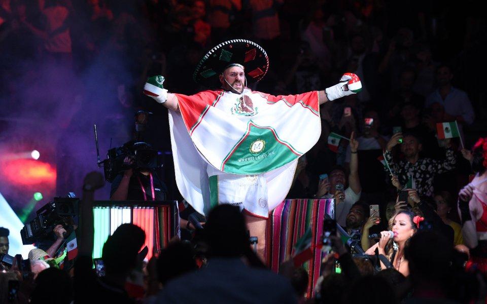 Професионалният боксьор Тайсън Фюри победи Ото Валин в изключително атрактивен