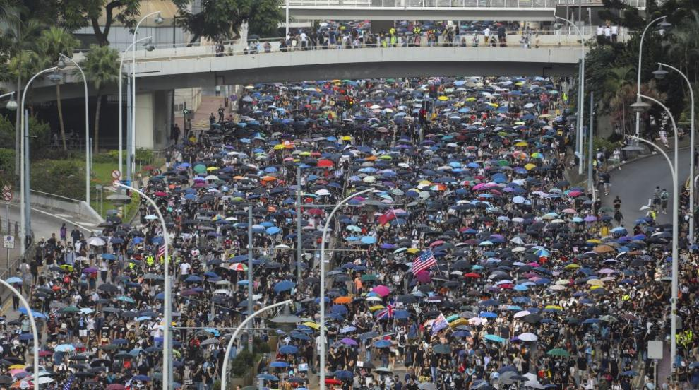 Протестиращите в Хонконг искат Лондон да защити демокрацията (СНИМКИ)