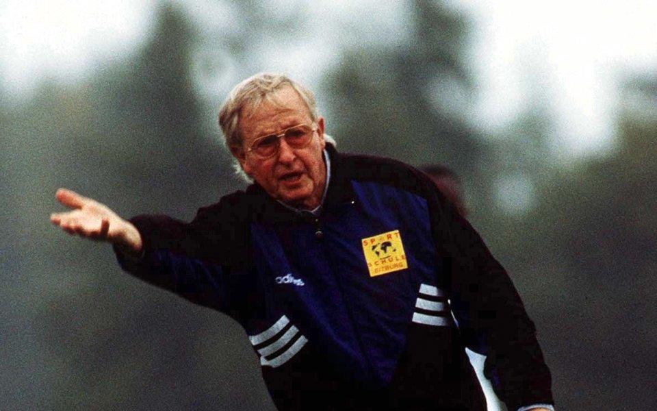 На 93 години почина бившият треньор Руди Гютендорф. Той държи