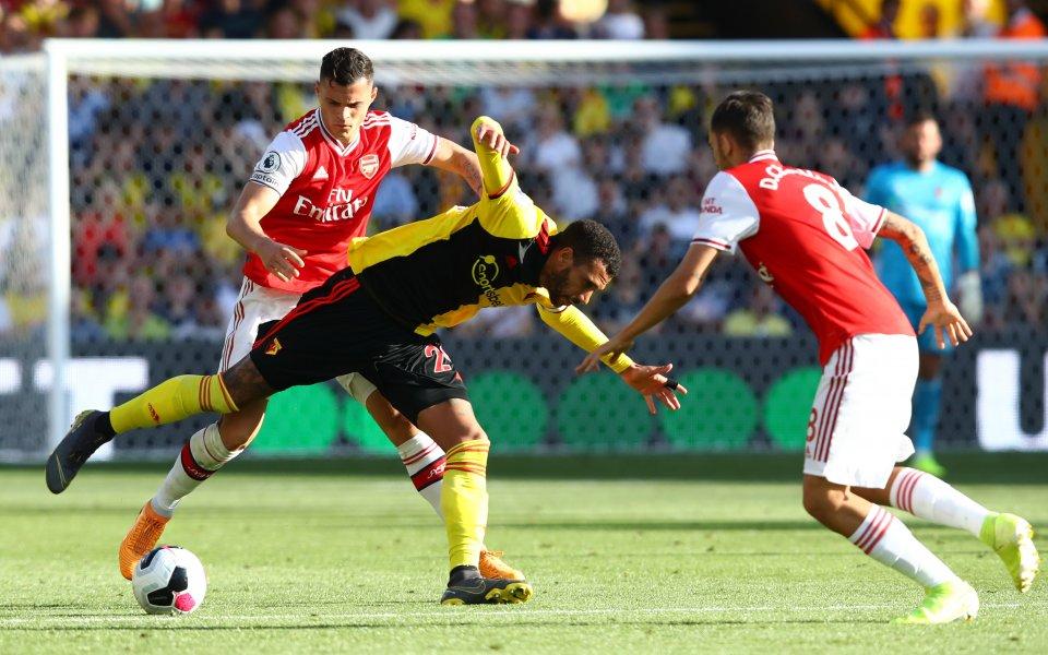 Футболистът на Арсенал Гранит Джака призна, че отборът играе недопустимо,