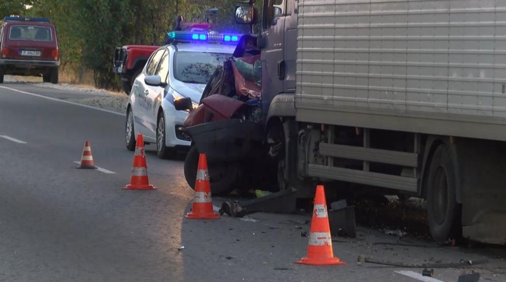 Жена загина на пътя Русе-Бяла след сблъсък с камион (ВИДЕО/СНИМКИ)