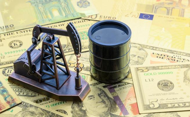 Цената на петрола спадна рязко