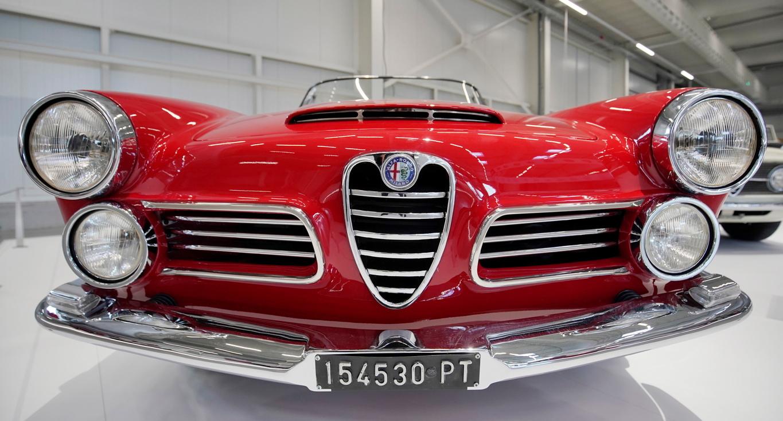 <p>Alfa Romeo 2600 Touring Spider</p>
