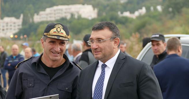 Снимка: Маринов: Имам подкрепата на премиера да увеличим парите за нощен труд на полицаите