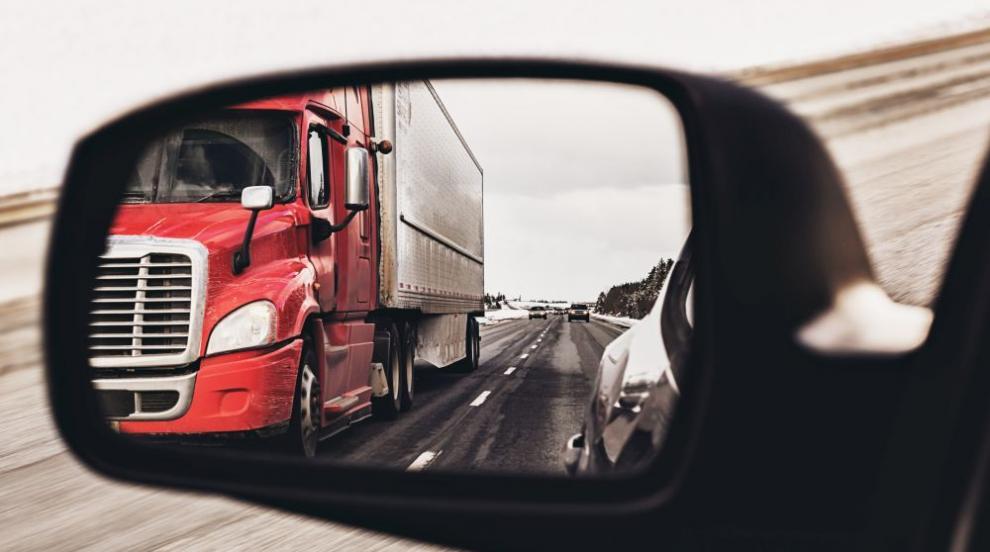 Спират движението на тирове по магистралите в пиковите часове