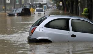 <p>Буря наводни Северна Гърция, има евакуирани</p>
