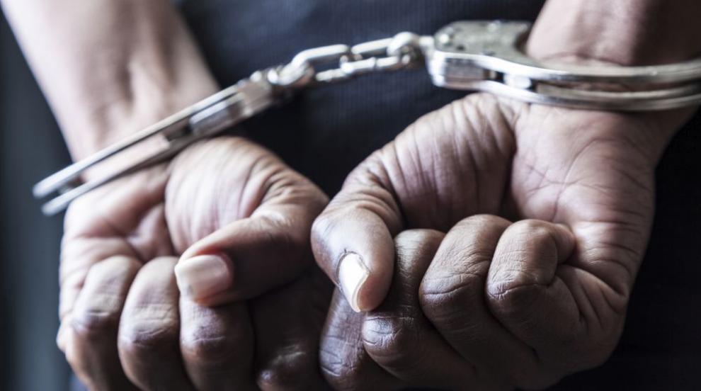 Задържаха двама за грабежа на белгиец в Търговище
