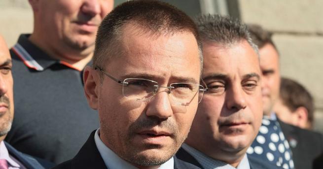 ВМРО издигна евродепутата Ангел Джамбазки за кмет на София. Това