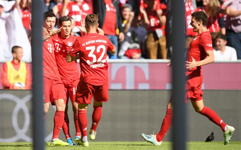 Отборът на Байерн Мюнхен победи с 4:0 Кьолн в домакински