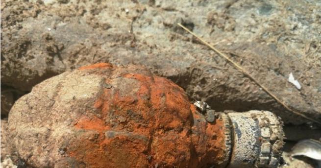 Военни от сухопътните сили обезвредиха боеприпас, открит при изкопни дейности