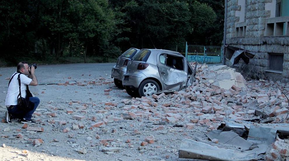 Десетки хора са пострадали при силните трусове в Албания