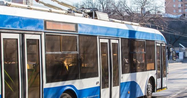 Задигнаха 250 метра от тролейбусната мрежа в Русе. Освен откраднатите