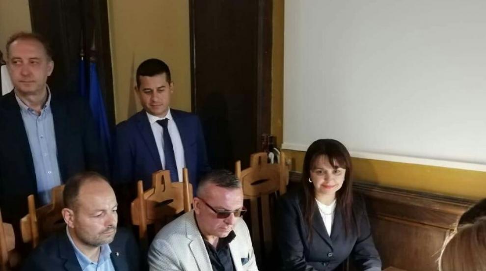Университетски преподаватели оглавиха листата на ГЕРБ в Бургас