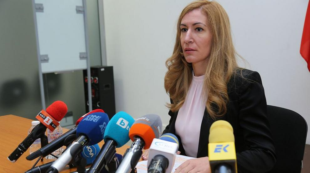Ангелкова събира спешно туроператорите заради фалита на Томас Кук