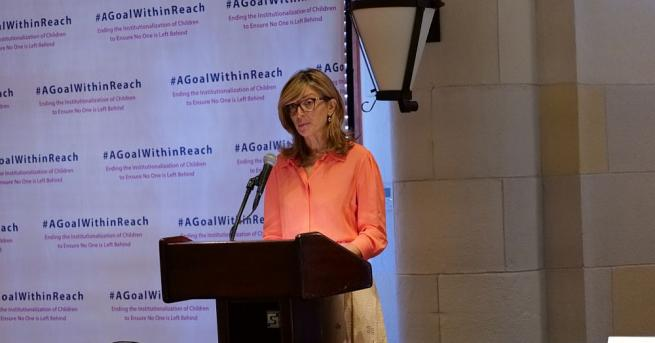 Снимка: Захариева в Ню Йорк: Намалили сме с 90% броя на децата в институциите