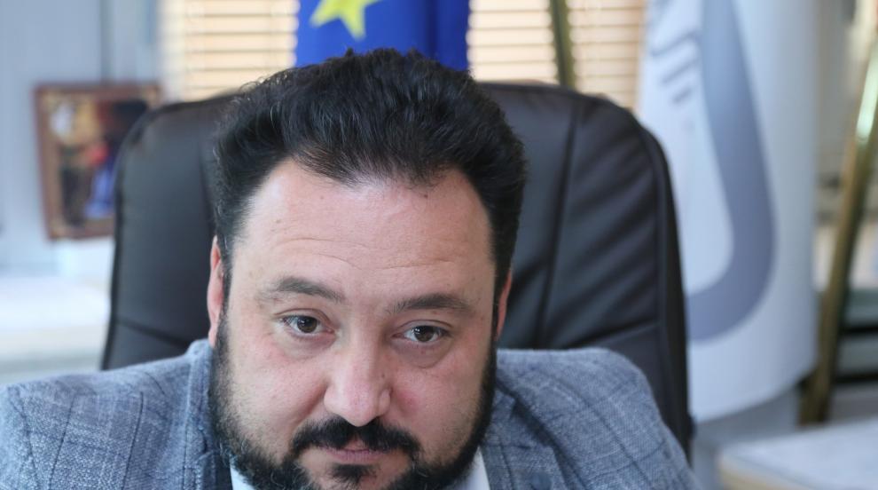 Полицията разследва побой в БНР: Деверът на Великова...