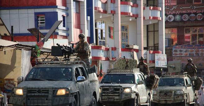 Бомба е избухнала пред избирателна секция в Афганистан само часове