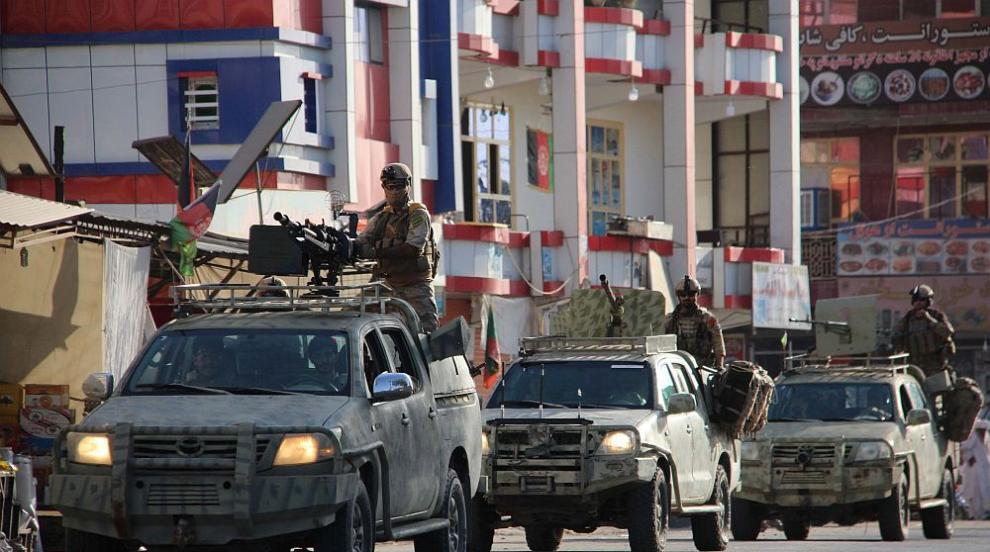 Два взрива в деня на изборите в Афганистан
