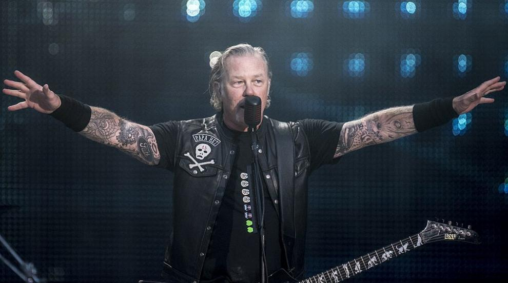 Фронтменът на Metallica Джеймс Хетфийлд влезе в клиника...