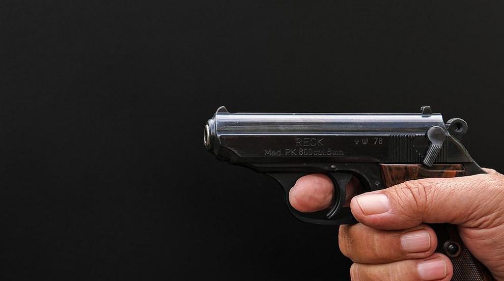 Мъж стреля по 36-годишен варненец след скандал във Варна