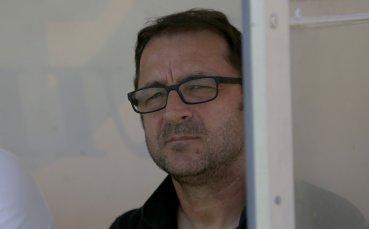 Желко Петрович продължава да се дърпа за раздяла с Ботев