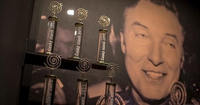 Световноизвестният чешки певец Карел Гот почина на 80-годишна възраст, съобщи
