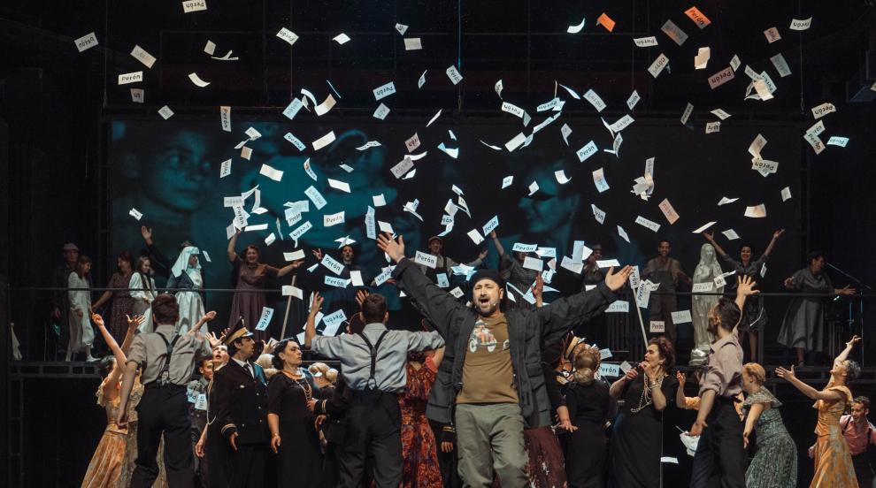 Стефан Вълдобрев се завръща отново на сцената в родния си град с хитовия...
