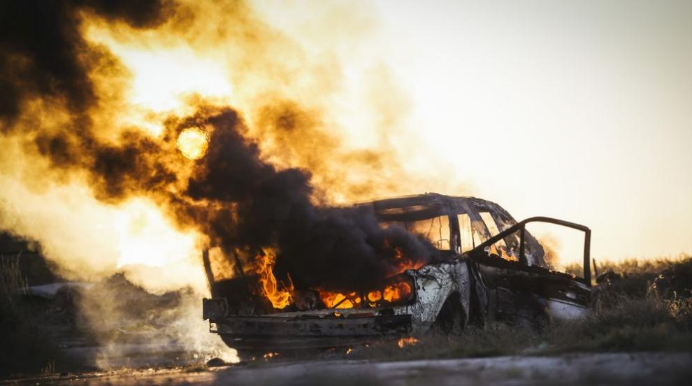 Запалиха няколко паркирани коли в София (ВИДЕО/СНИМКИ)