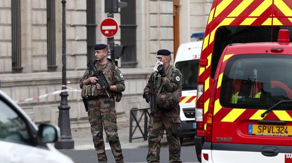 Потвърдено: Убиецът в Париж бил радикален ислямист