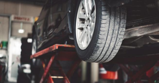 Сивият сектор в ремонтите на автомобили достига 80%, каза Емил