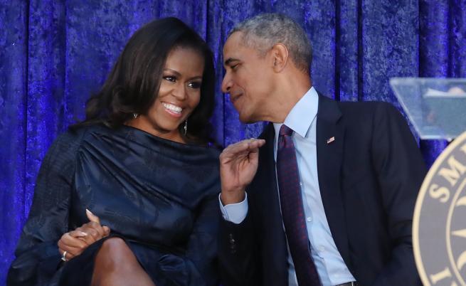 27 години по-късно: Барак и Мишел Обама все така влюбени