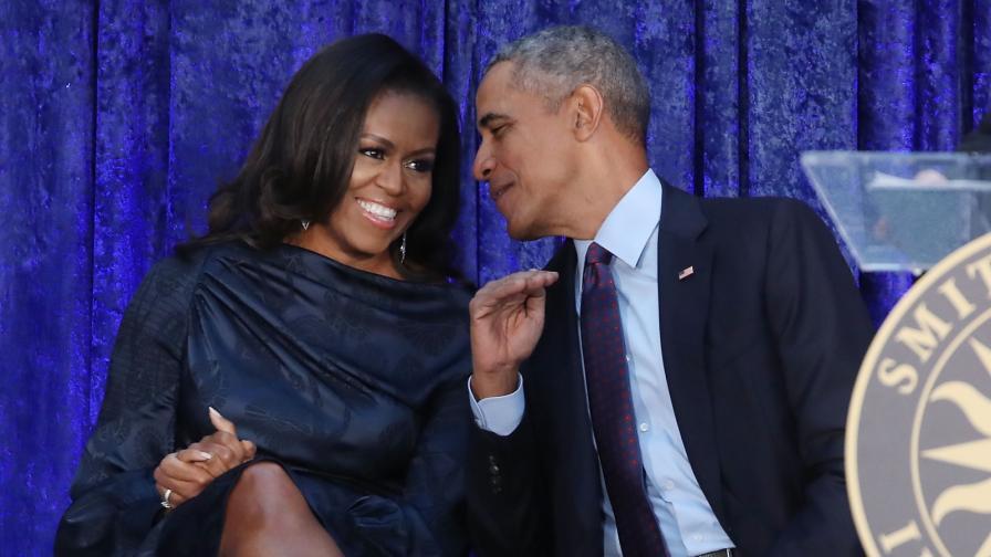 "<p>27 години по-късно: <strong><span style=""color:#ffbc00;"">Барак и Мишел Обама</span></strong> все така влюбени</p>"
