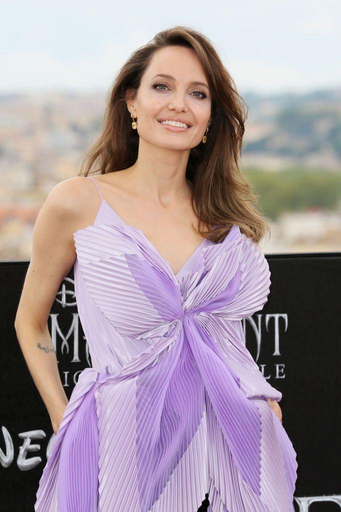 """Един от многото ангажименти на Анджелина Джоли през последните седмици е представянето на филма """"Господарка на злото"""" 2."""
