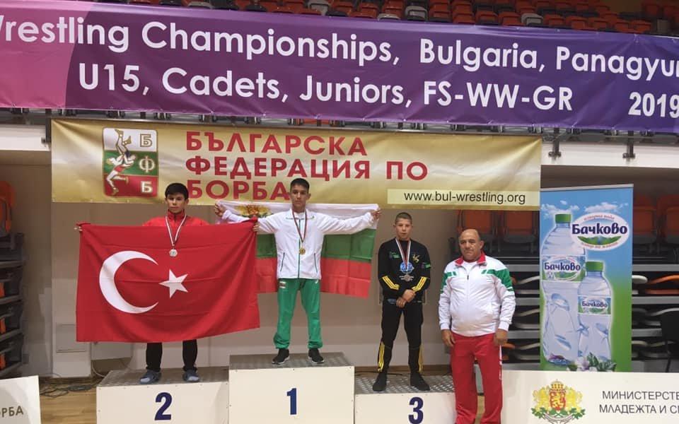 Юношите ни са първи в отборното класиране на Балканиадата по борба