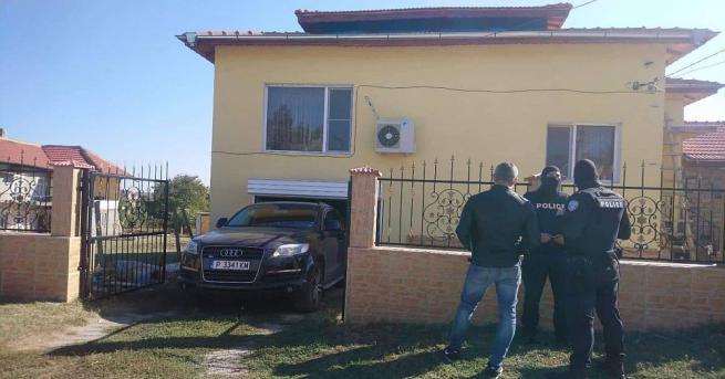Социални служители взеха детето на един от закопчаните ало измамници