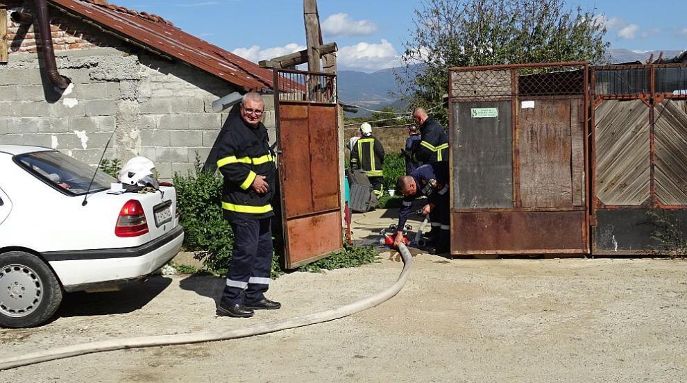 Трима обгоряха в Благоевград при взрив на газова бутилка (СНИМКИ)