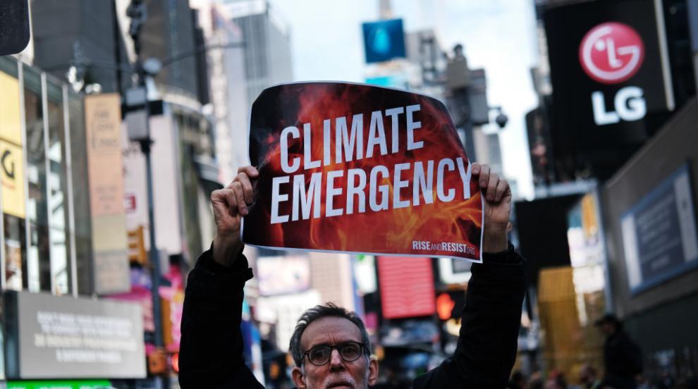 """Стотици екоактивисти блокираха """"Таймс скуеър"""" (ВИДЕО/СНИМКИ)"""