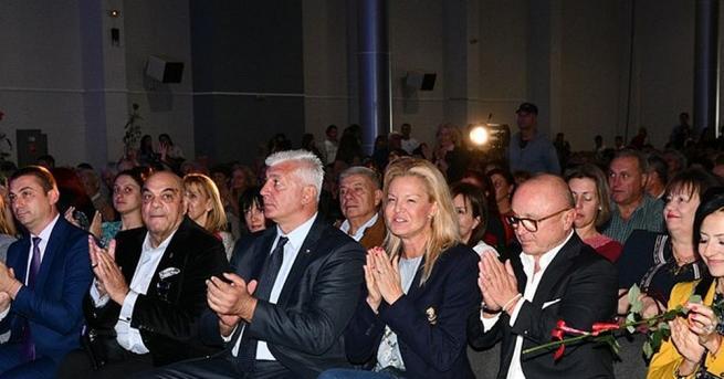 Олимпийски шампиони отпразнуваха заедно 70-ия юбилей на Спортното училище