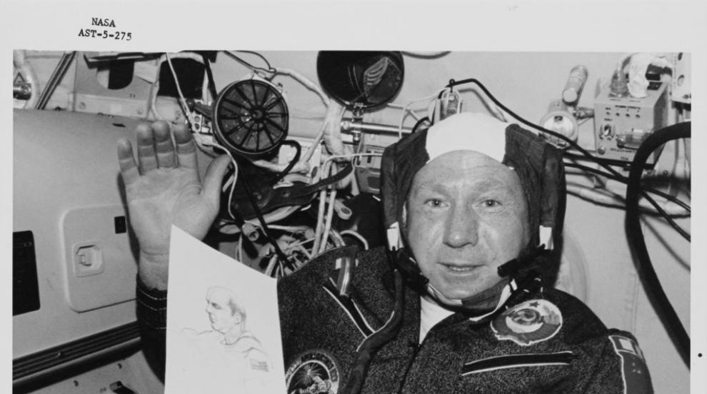 Почина космонавтът Алексей Леонов - първият човек, излязъл в открития космос