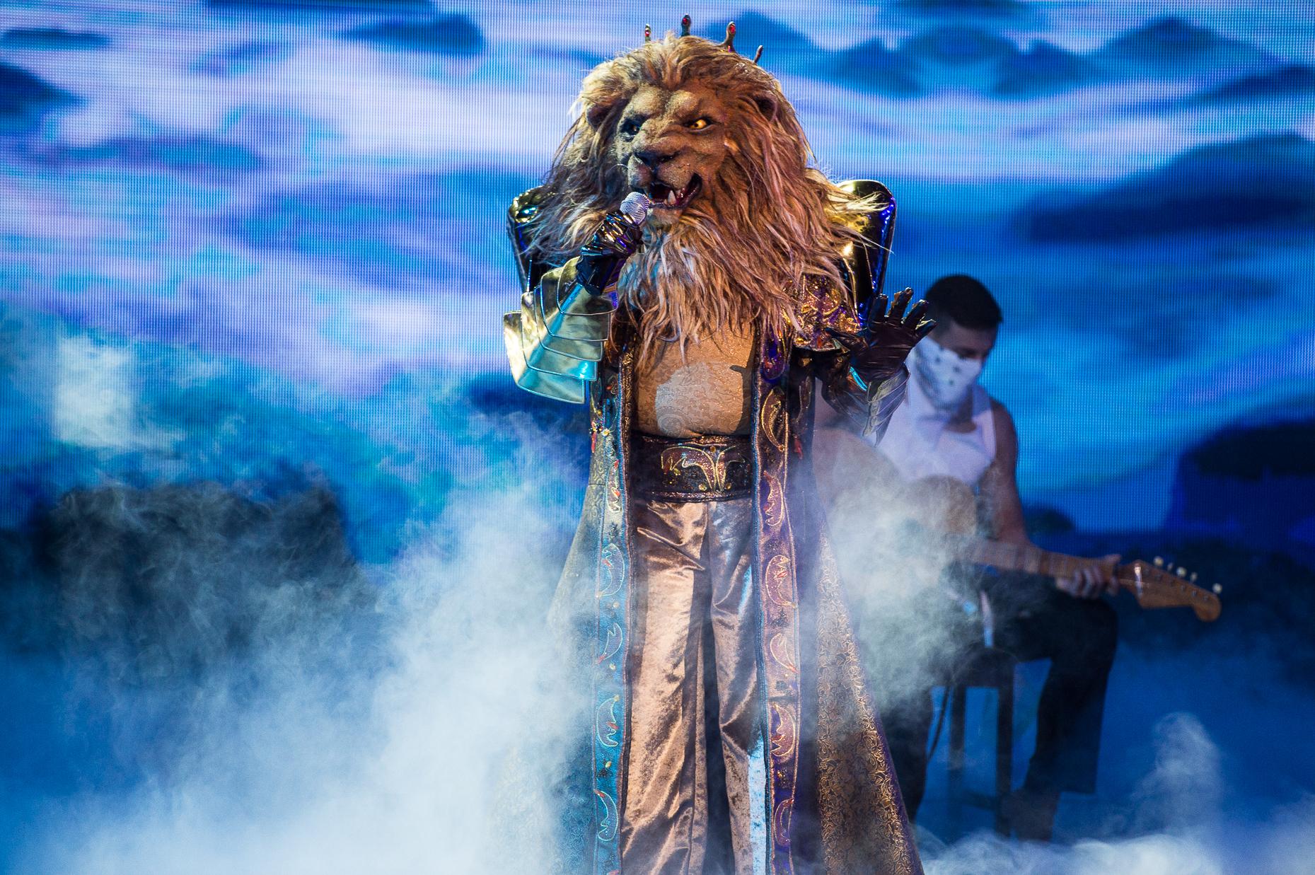 <p>Лъвът изпълнява Shallow на Lady Gaga и Bradley Cooper</p>