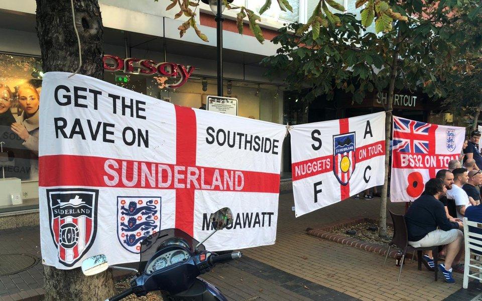 Множество английски фенове са вече в София за европейската квалификация
