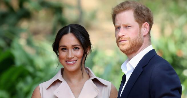 """Снимка: Кралското семейство е """"засрамено"""" от Хари и Меган, а те ще се местят в Канада?"""