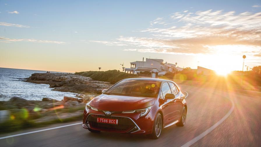 Хибридното трио на Toyota: Corolla, RAV4 и Camry