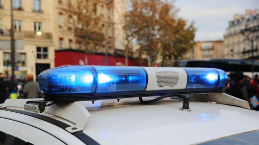 Мъж е прострелян в София