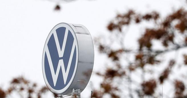 Автомобилният концерн Volkswagen отлага решението за изграждане на завод в