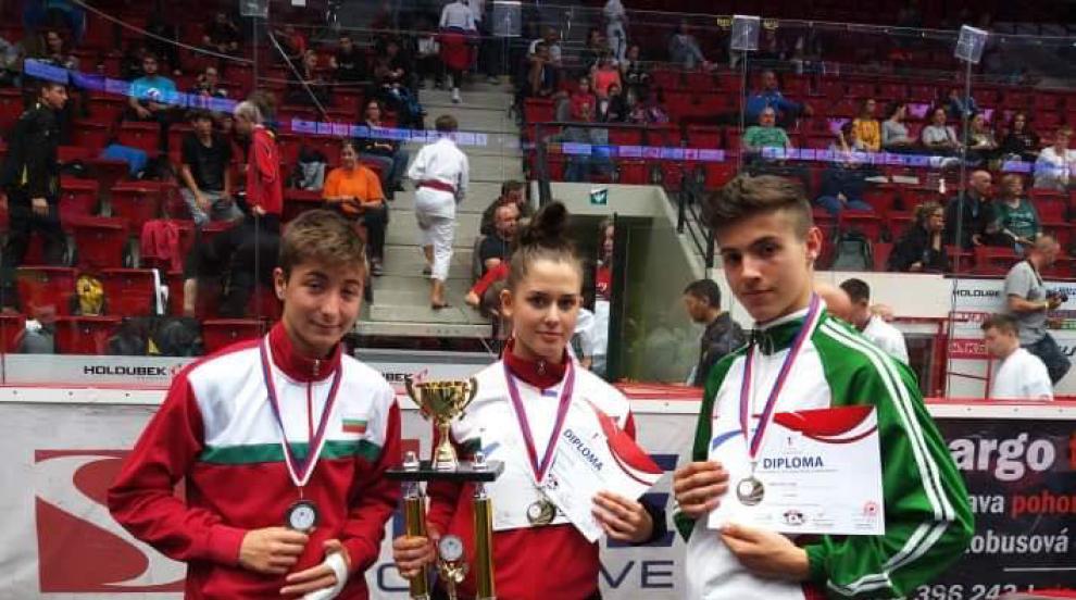 Световни титли за състезатели на КК Шампион