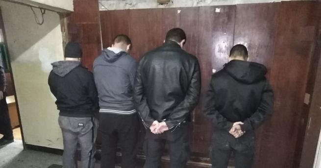 СДВР провежда спецоперация по издирване на феновете, показали расистки жестове