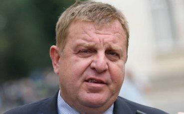 Вицепремиер иска по-строги мерки срещу футболните хулигани
