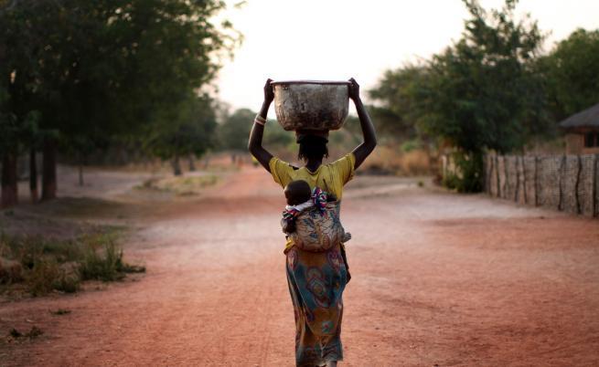 Тя носи глад, страдание и смърт